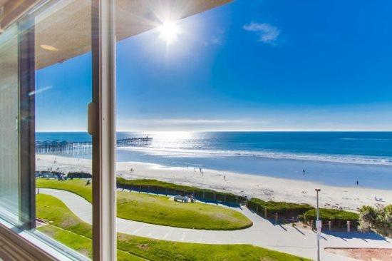 View from the living room window - Casa de Camacho Panoramic Ocean View Penthouse Condo - Pacific Beach - rentals