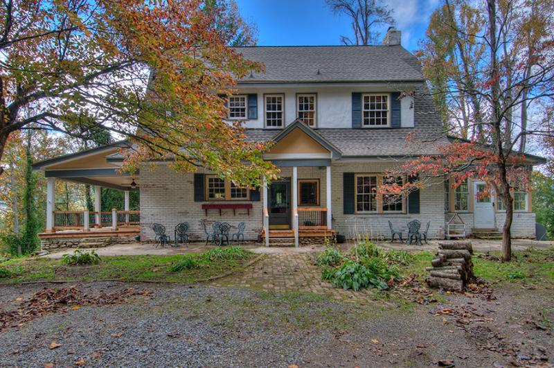 Historical Home to Savor - Preservation Stay - Waynesville Historical Home - Waynesville - rentals