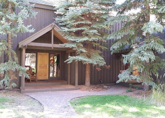 Salishan 2 - Multiple Family Sunriver Home with Hot Tub and Great Kitchen Near the Village - Sunriver - rentals