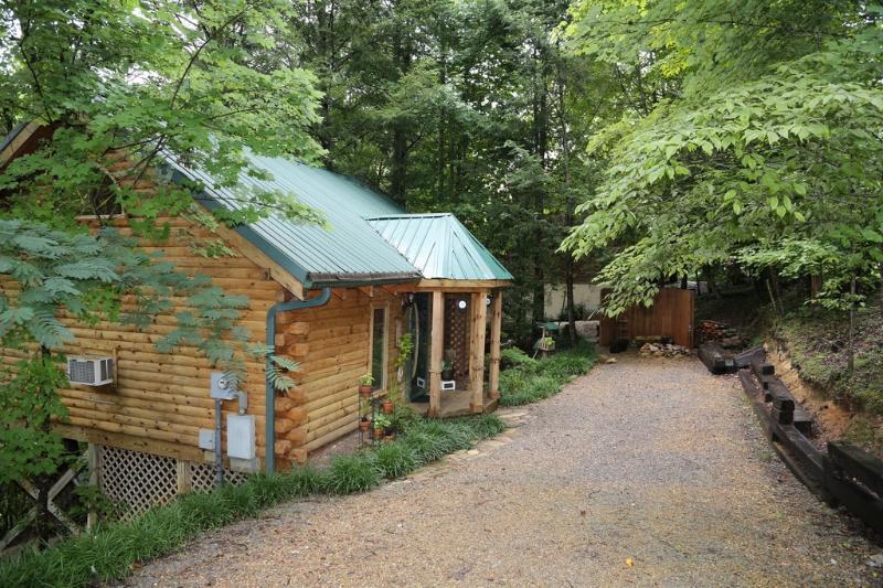 You've found your 'Refuge' - Overlooks River, closest 2 Park Lovely 'Refuge' - Townsend - rentals