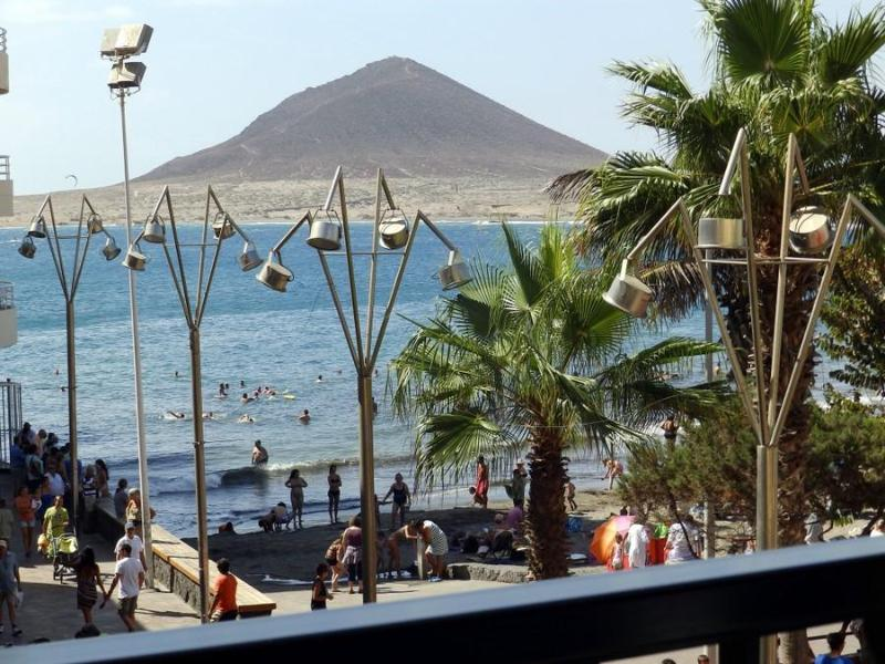 Nice beachfront Apart. with wifi in El Medano - Image 1 - El Medano - rentals