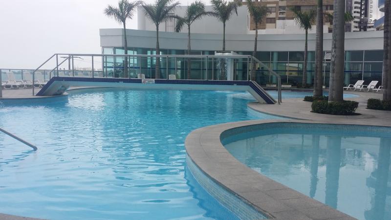 oceanfront pool - Rentascartagena 2 Bedroom Oceanfront apartment - Cartagena - rentals