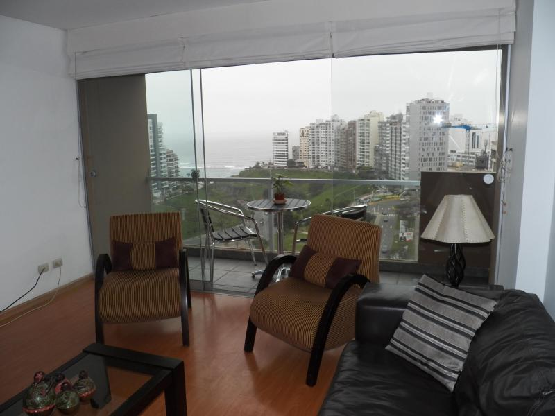 Seating from balcony having a drink of your favorite beverage. - Ocean View Spectacular/balcony Romantic Miraflores - Lima - rentals