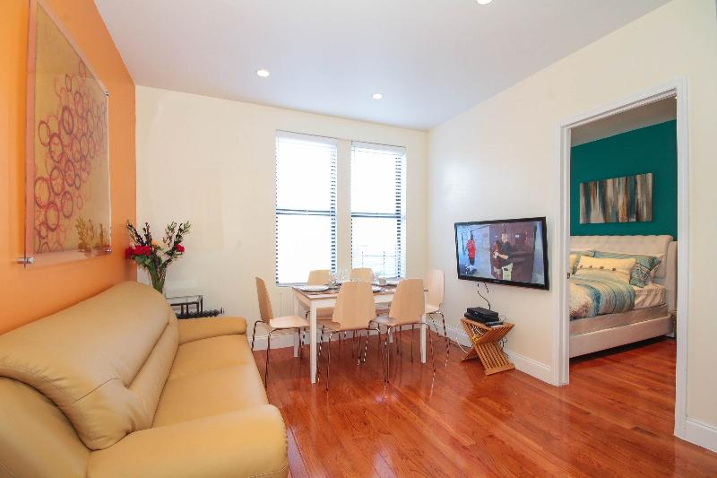 Fantastic 3 Bedroom 12 mins to Times Square - Image 1 - New York City - rentals