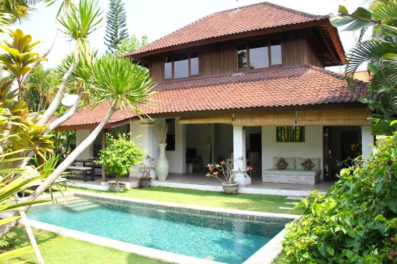 Villa Bunga 1 - Villa Bunga 1 at the Beach with Welcome Breakfast - Seminyak - rentals