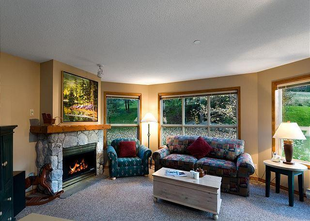 Living Room - Aspens, 2 Bdrm, Ski in Ski out, Bright Mountain View, Free Wifi, BBQ - Whistler - rentals