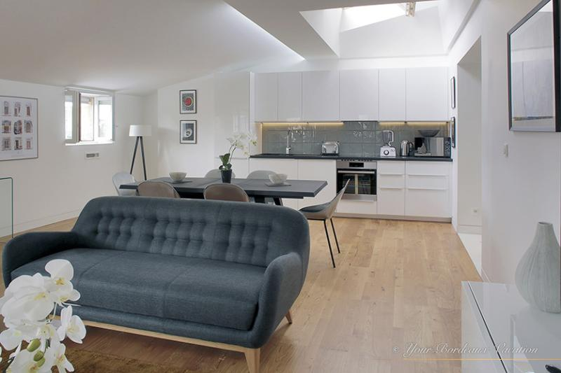 'Chartrons' Chic Three Bedroom Duplex - Image 1 - Bordeaux - rentals