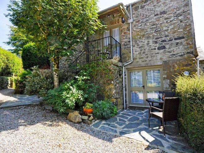 View towards the garden apartment - ground floor apartment - HGARD - Peter Tavy - rentals