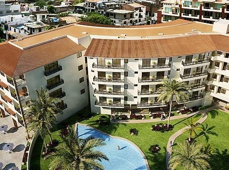Our Condo from the air showing the pool. - Zona Romantica Rivera Molino Penthouse PV. - Puerto Vallarta - rentals