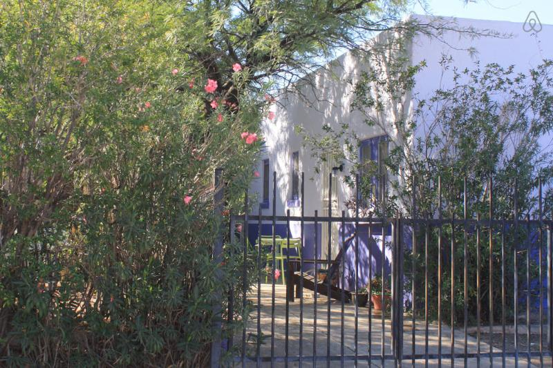 Hushed Garden Hideaway - Downtown Armory Park Hideaway - Tucson - rentals