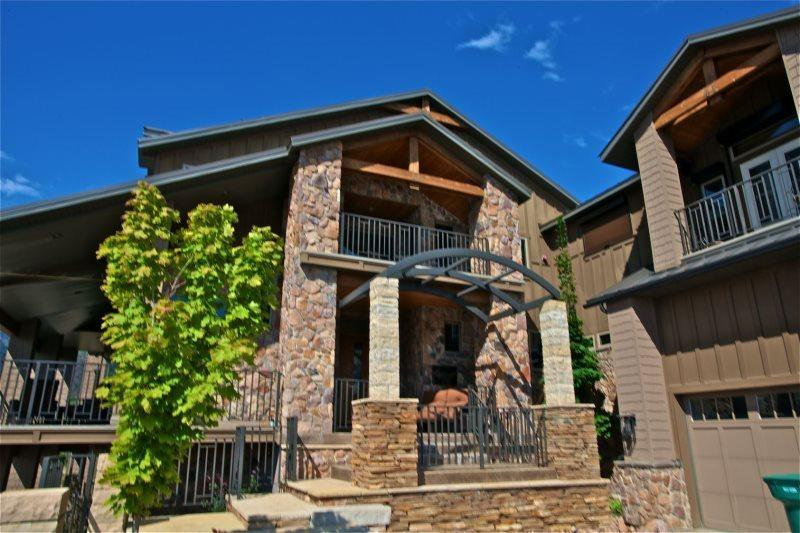 Front of Home - Mountain Luxury - Huntsville - rentals