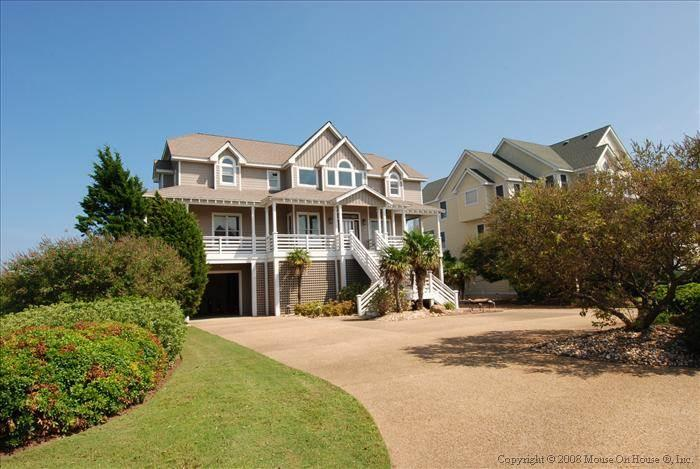 Pet-friendly soundfront 4BR - Ballast POINT #48 - Image 1 - Manteo - rentals