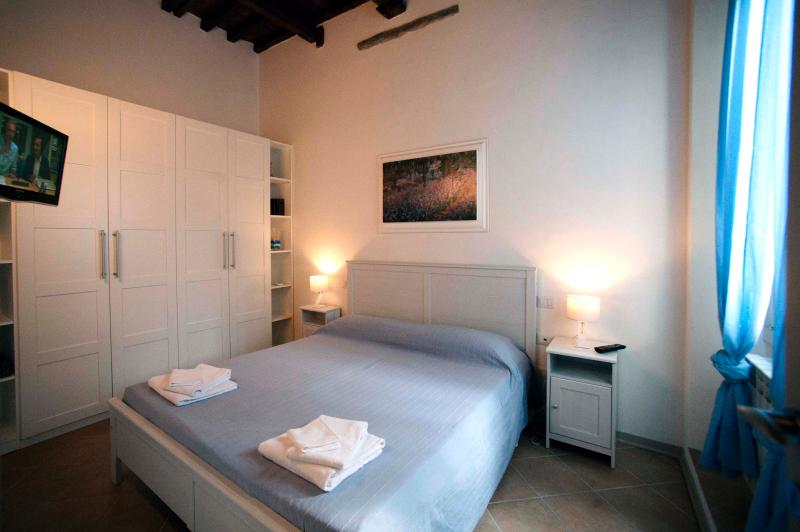 Quit and cozy apartment - Image 1 - Florence - rentals