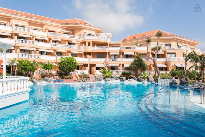 Tenerife Royal Gardens sea view and pool - Image 1 - Playa de las Americas - rentals