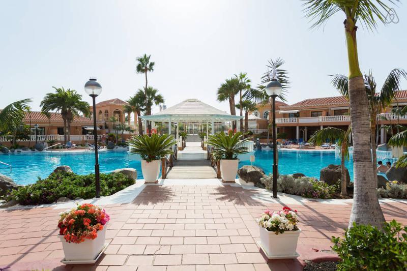 Tenerife Royal Gardens  pool view 1 - Image 1 - Playa de las Americas - rentals