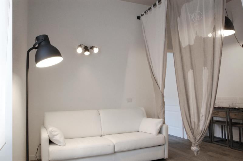 Trastevere Residence - suite Paolo - Image 1 - Rome - rentals