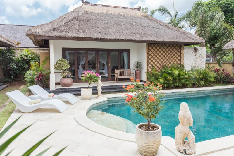 Luxury Villa By The Beach In Jimbaran - Image 1 - Denpasar - rentals