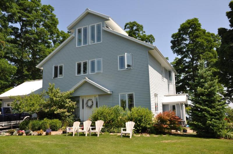 Welcome to Paradise - Loughbreeze Bay Cottage - Colborne - rentals
