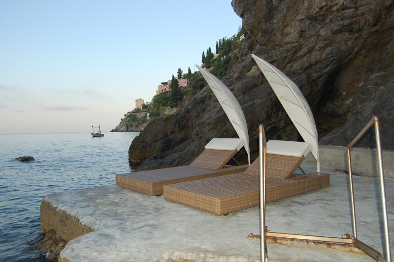 Large Villa Near Amalfi with a Jacuzzi and Spectacular Sea Views - Villa la - Image 1 - Amalfi - rentals