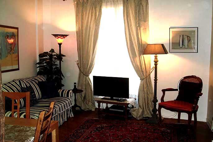 Place des Victoires Two Bedroom - ID# 22 - Image 1 - Paris - rentals