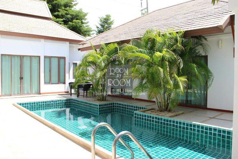 Villas for rent in Hua Hin: V6135 - Image 1 - Hua Hin - rentals