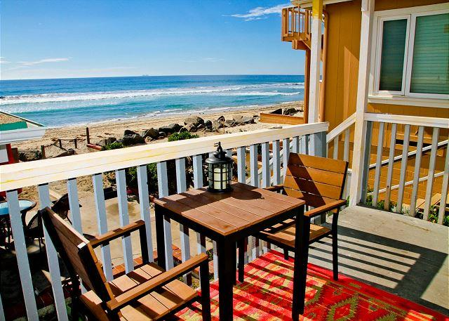Lovely beach condo w/ semi-private beachDesigner Decorated & A/C Equipped - Image 1 - Oceanside - rentals