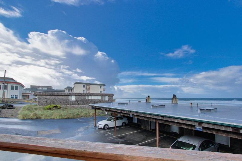 Elegant home w/ beautiful ocean views & nearby beach access! - Image 1 - Lincoln City - rentals