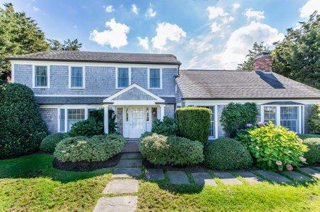 GRACEFUL EDGARTOWN VILLAGE HOME - EDG JWAL-14 - Image 1 - Edgartown - rentals
