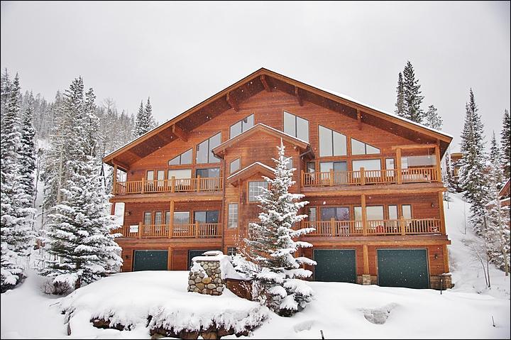 Slopeside Village Condominiums - Steps from the Free Shuttle - New Hardwood Floors (5021) - Winter Park - rentals