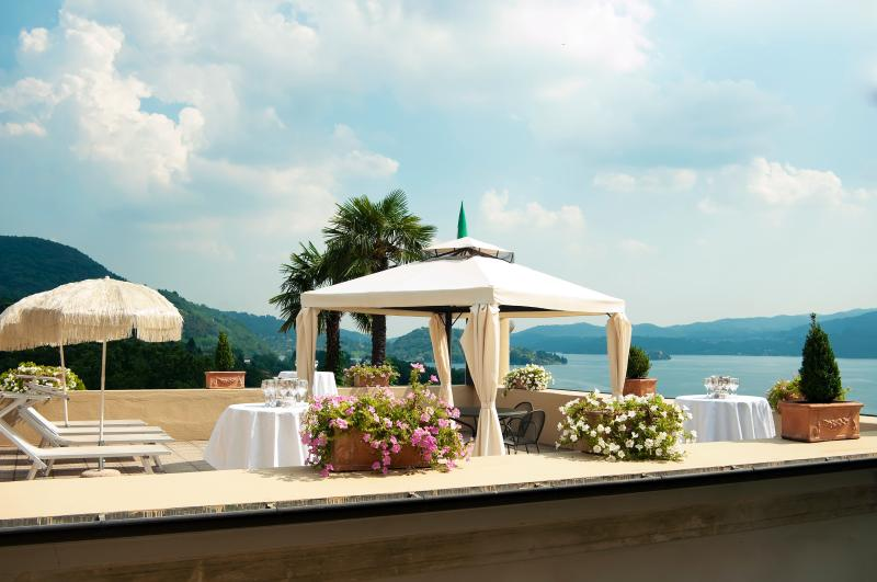 Large charming villa with spectacular Lake Orta view: 14 Sleeps, 7 bedroom, 5 bathroom - Image 1 - Pettenasco - rentals