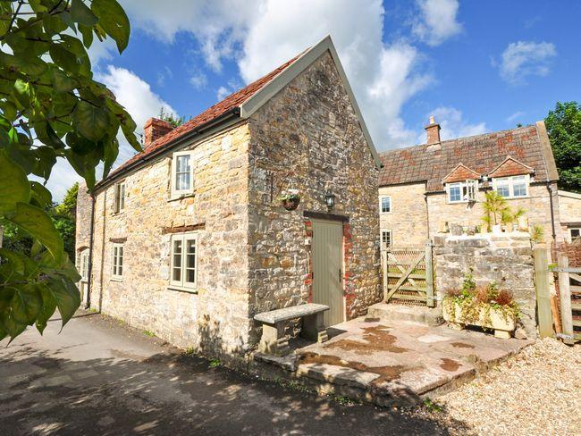 Looking towards the Barn - GUILD - Somerset - rentals