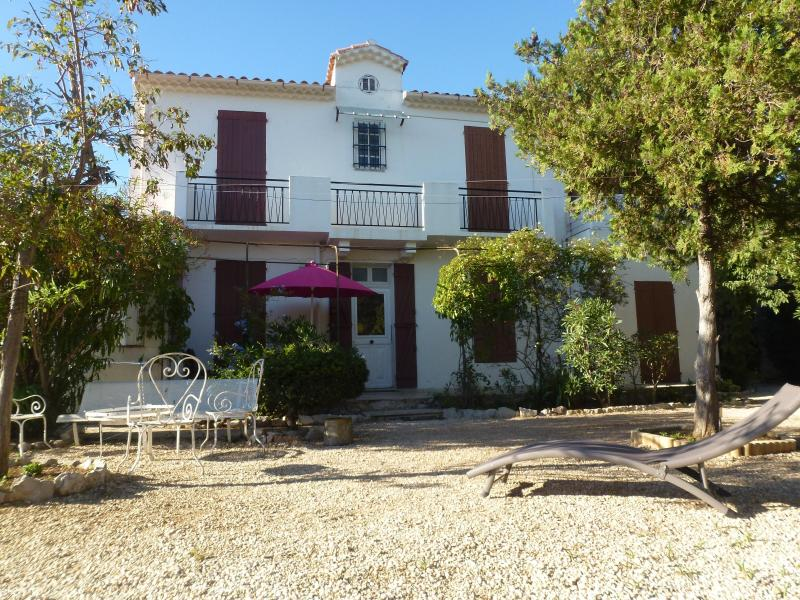 HOUSE - Cassis 5 Bedroom Villa with Sea View, Sleeps 11, 400 Meter to Portbeach - Cassis - rentals