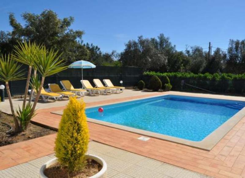 Casa Ninho, country villa in Albufeira centre, near the Strip and all facilities - Image 1 - Albufeira - rentals
