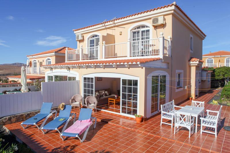 Villa Flora - Holidayhome in Caleta de Fuste at the Golf Course - Caleta de Fuste - rentals