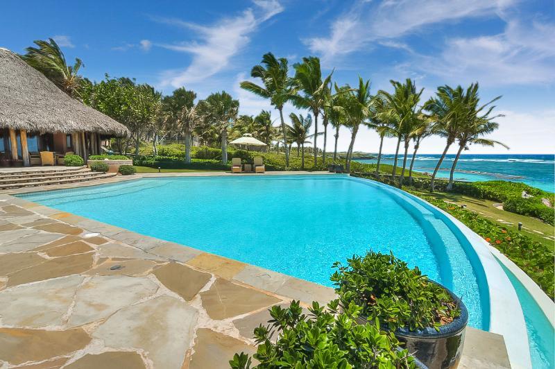 Villa Corales 18, Sleeps 14 - Image 1 - Punta Cana - rentals