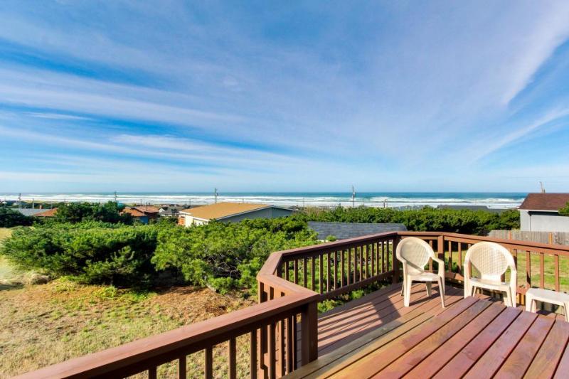 Dog-friendly w/ breathtaking ocean views, seasonal pool & close beach access! - Image 1 - Waldport - rentals