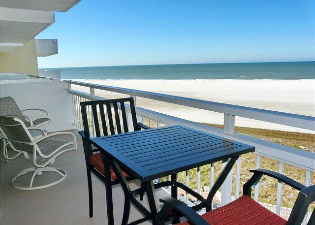 Sun-filled beachfront condo w/ heated pool & unforgettable ocean views - Image 1 - Marco Island - rentals