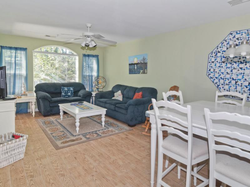 Open living and dining rooms offer plenty of space to spread out and relax - Pools,Golf,WiFi,5 minutes to Beach,Family Friendly - Pawleys Island - rentals