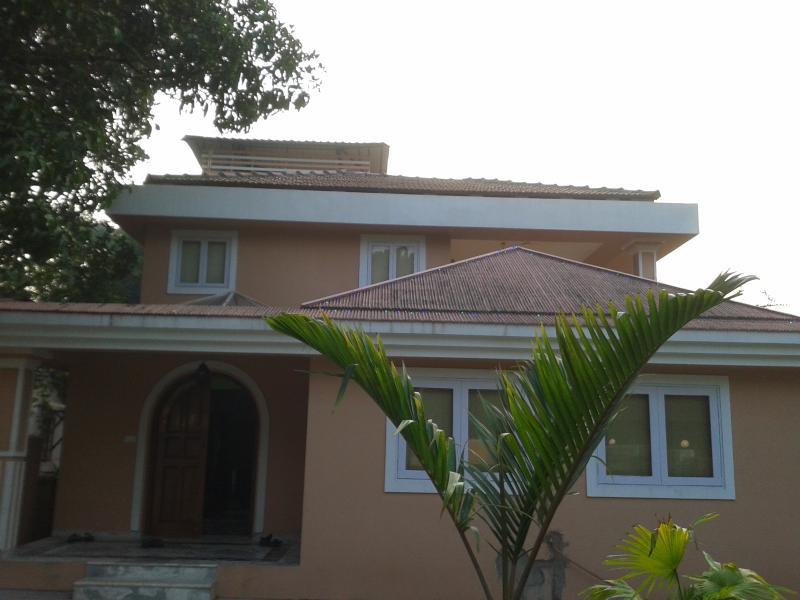 Sea Breeze Villas Paschim - 5 BR luxurious villa with private pool in Anjuna Goa - Image 1 - Anjuna - rentals