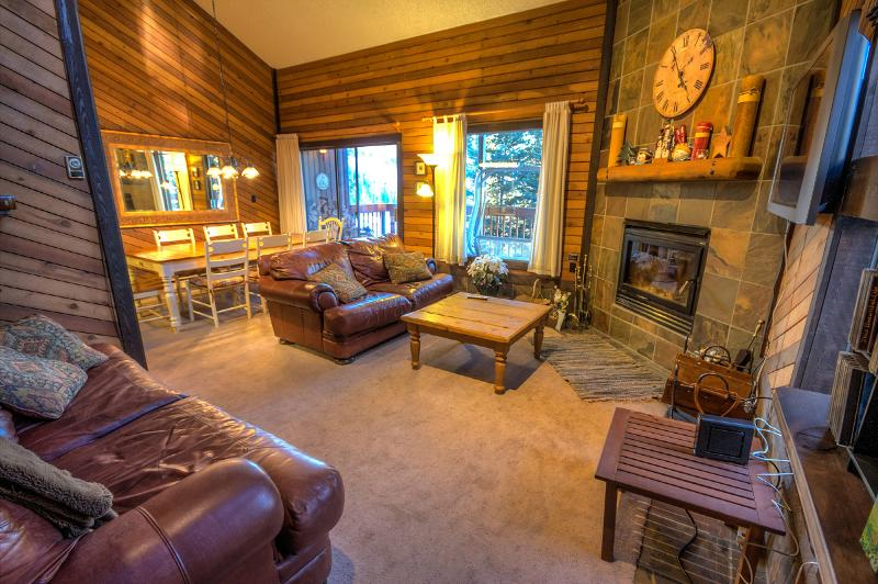 3 Levels on Navajo Slopes! Ski out to lifts... 2 Masters- 3 bed/3 ba- Newly added! - Image 1 - Brian Head - rentals