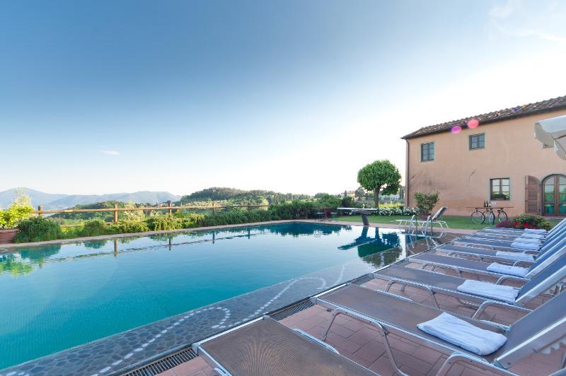 Apartment La Mela - Image 1 - Lucca - rentals