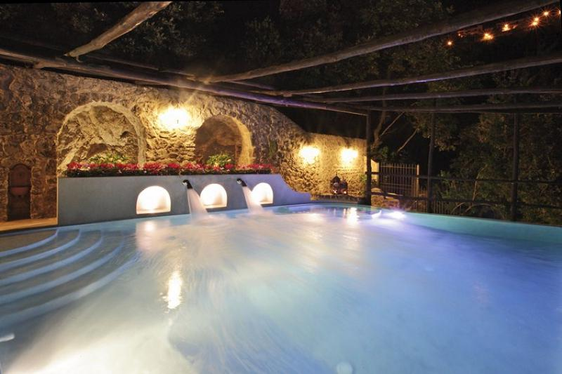 lluminated Swimming pool - Villa Isaura - Amalfi - rentals