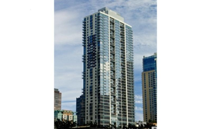Exterior - Stay in the Heart of Chicago - Chicago - rentals