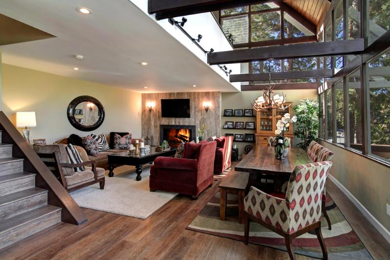 Features | Spectacular setting. Luxury appointments. Terrific location. Peaceful - SNOWFLOWER CABIN LUXURY 3BD/2BA, DOCK, IN VILLAGE - Lake Arrowhead - rentals