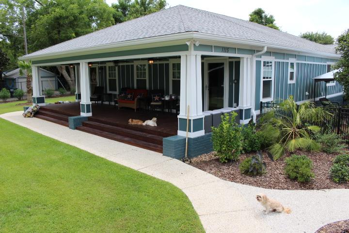 Expansive front porch - Gulf Breeze Depot, swimming pool, walk to beach - Gulfport - rentals
