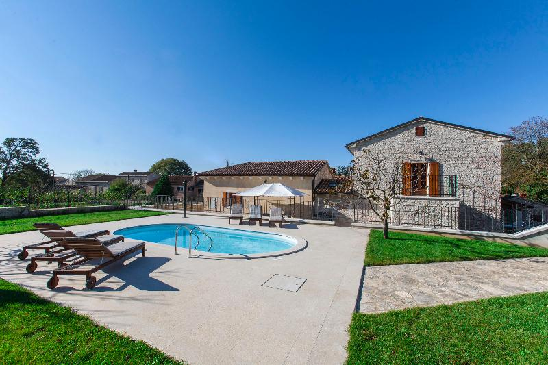 Newly renovated Villa Stauri, beautiful property with private pool and jacuzzi - Image 1 - Zminj - rentals