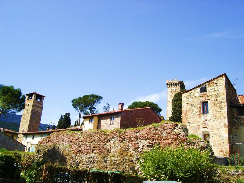 Rear view of Casa Colomba with 12th Century medieval tower to the right - Authentic Tuscany - Romantic - Casa Colomba - Pisa - rentals