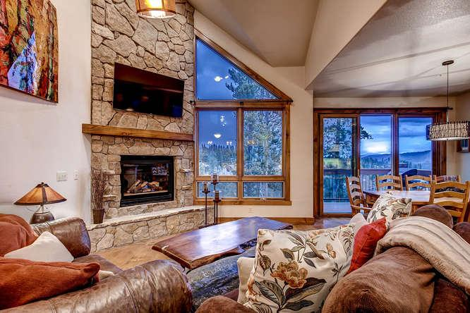 Slopeside Saddlewood - Ski in/out, hot tub - Image 1 - Breckenridge - rentals
