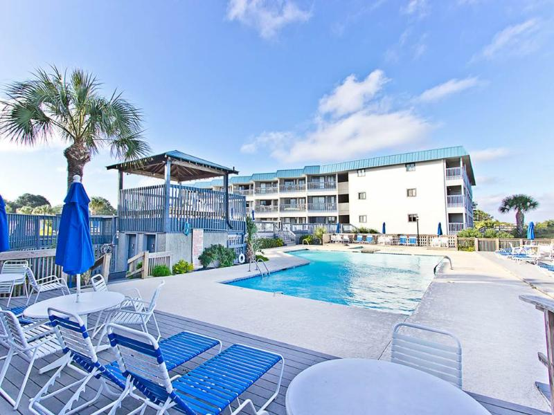 Beach Racquet B219 - Image 1 - Tybee Island - rentals