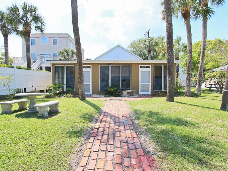 Captains Quarters A - Image 1 - Tybee Island - rentals